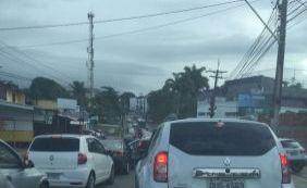 [Sem água no bairro, moradores de Sussuarana protestam e fecham via]