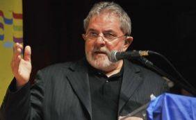 [Na Lava Jato, Lula reafirma candidatura e diz que espera pedido de desculpa]
