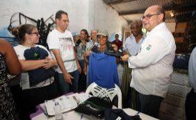 [Marisqueiras da Ilha de Itaparica recebem kits para aumento de produção]
