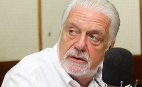 [Em voo comercial, Wagner se atrasa e não comparece a posse de Lula em ministério]