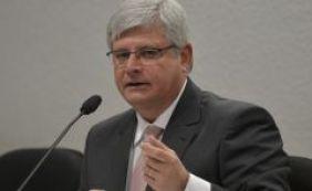 """[Rodrigo Janot sobre Lula: """"Ser ministro não blinda ninguém""""]"""