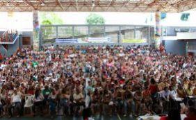 [Professores da rede municipal decidem suspender greve; aulas voltam dia 21]