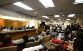 [OAB manifesta apoio ao processo de impeachment de Dilma no Congresso]