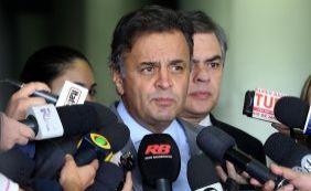 [Aécio diz que decisão de Gilmar Mendes sobre Lula é