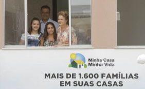 [Após entregar casas, Rui cita força de Dilma: