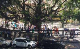 [Em greve, servidores da Transalvador fazem caminhada na Barra; veja vídeo]