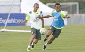 [Dunga promove duas mudanças no time titular do Brasil que pega o Uruguai]