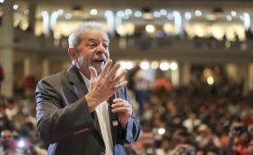 [Ex-presidente Lula se diz enojado com tratamento da Lava Jato]