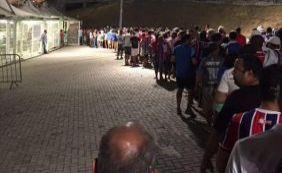 [Torcedores do Bahia enfrentam problemas para entrar na Arena Fonte Nova]