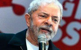 """[""""Nem que seja a última coisa que eu faça na vida, vou ajudar Dilma"""", diz Lula]"""