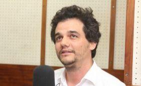 [Wagner Moura defende Dilma e diz que presidente sofre