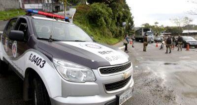 Polícia prende suspeitos por tráfico com duas metralhadoras em Plataforma