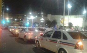 [Taxistas realizam manifestação em repúdio a morte de colega de trabalho]