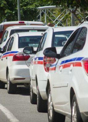 Máfia dos alvarás? Táxis de pessoas jurídicas são investigados pelo MP