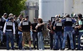 [Atentado na França deixa um morto e dois feridos; suspeito foi detido]