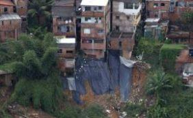 [Prefeitura já cadastrou 1,4 mil desabrigados pela chuva para receber benefícios]