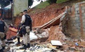 [Desabamento de muro: moradores já tinham ordem para deixar o local]