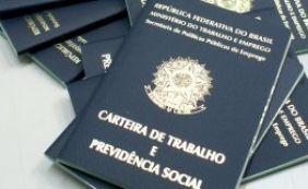 [Analistas afirmam que Brasil deve perder 1 milhão de vagas com carteira em 2015 ]