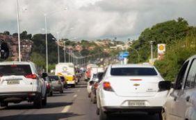 [Trânsito intenso durante a segunda-feira em Pirajá]
