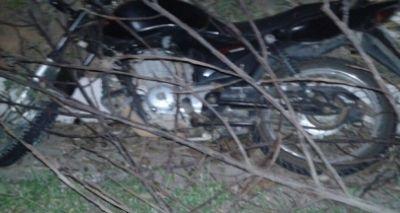 Homem cai de moto e morre após ser atropelado por carro na BR-101