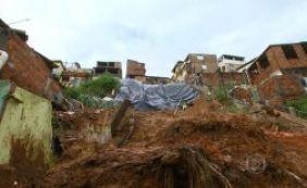 [44 moradores atingidos pela chuva vão receber geladeiras da Prefeitura]