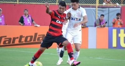 Vitória vence o Corinthians de virada por 3x2 no Barradão