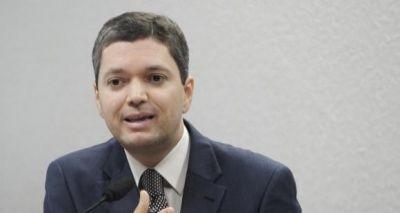 Temer nega saída de Silveira do ministério da Transparência