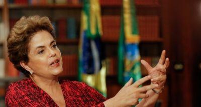 Dilma se defende no STF e volta a falar em