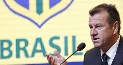 Dunga possui o maior salário entre técnicos da Copa América; confira lista