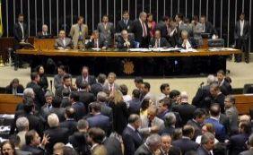 [Veja como deputados baianos votaram sessão sobre a maioridade penal]