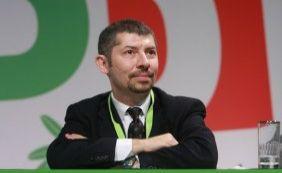 [Vice-ministro italiano faz greve de fome e exige lei para casamento gay]