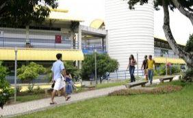 [Após tentativa de assalto com funcionários reféns, UCSAL esclarece ocorrido ]