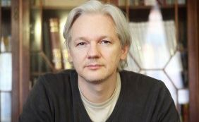 [França rejeita pedido de asilo do fundador do WikiLeaks, Julian Assange]