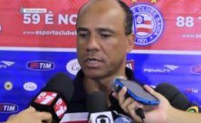 [Sérgio Soares reclama da expulsão de Souza no Ba-Vi: