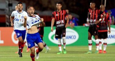 Com golaço de falta, Bahia bate o Moto Club e lidera grupo B do Nordestão