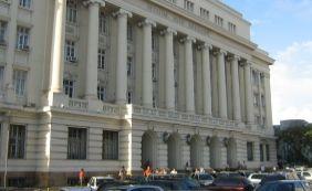 [Justiça determina suspensão de pensão paga a ex-governadores baianos]