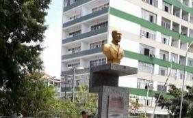 [Monumento é refeito e colocado na praça de Nazaré após ter sido roubado]