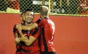 [Com direito a gol olímpico, Vitória goleia o Flamengo de Guanambi por 6 a 1]