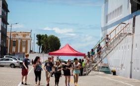 [Já repleta de turistas, Salvador deve receber 155 mil pessoas até o Carnaval]