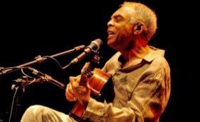 [Gilberto Gil faz ensaio com Cortejo Afro no Palácio da Aclamação neste sábado]