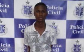 [Jovem é preso com 22 pinos de cocaína e 30 dolões de maconha em Pernambués]