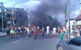 [Uma semana sem água: moradores do Lobato protestam na Suburbana]