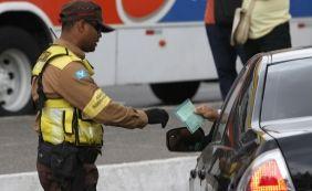 [Lei Seca: 200 motoristas têm habilitação retida no carnaval de Salvador]
