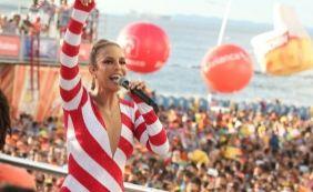 [Ivete arrasta multidão na Barra e fala da Grande Rio: