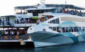 [Ferry inicia operação 24h nos terminais de Salvador e Itaparica ]