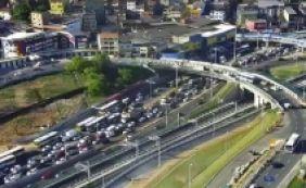 [Grande fluxo de ônibus na rodoviária causa retenção na av. ACM]