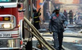 [Bombeiro fica ferido durante combate a incêndio em prédio na Pituba]