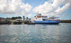 [Ferry-boat tem saídas a cada uma hora neste sábado]