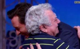 [Ator que interpreta Wolverine se emociona com dublador brasileiro; veja vídeo]