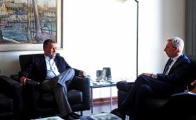 [Rui se reúne com embaixador da União Europeia para negociar empréstimo]